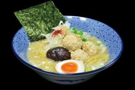 鶏白湯ラーメン 930円